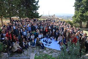 Foto dei Volontari presenti all'Assemblea di Assisi